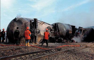 به یاد جانباختگان حادثه انفجار قطار نیشابور؛ رزمایش بزرگ پدافند غير عامل شهری با موضوع تهدیدات شیمیایی در نیشابور برگزار می شود
