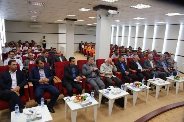 حضور اعضای شورای اسلامی شهر جهت تبریک روز ملی شهرداری ها